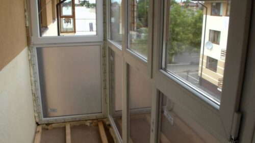 установка французского балкона
