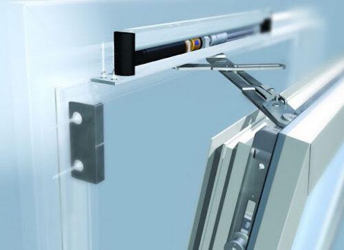 Профессиональная замена и ремонт фурнитуры пластиковых окон